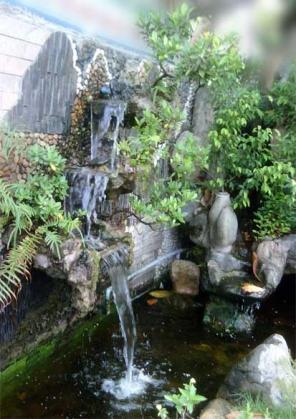 Tường tạo thác nước